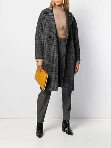 Picture of Harris Wharf London | Classic Single-Breasted Coat