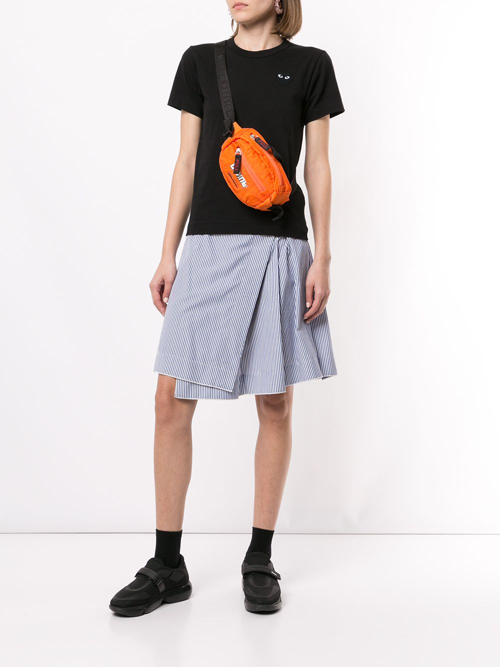 Picture of Comme Play | Heart Embroidered Slim Fit T-Shirt