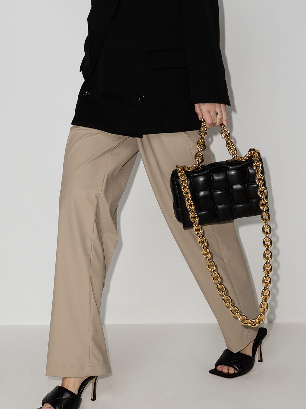 Picture of Bottega Veneta | Chain Cassette Shoulder Bag