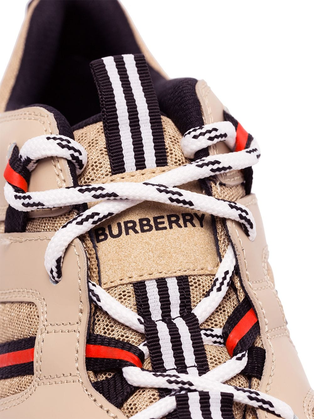 Picture of Burberry | Rs5 L Low