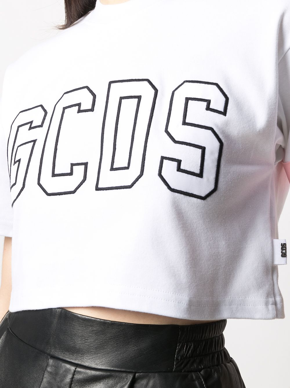 Picture of Gcds | Logo-Embroidered Cropped T-Shirt