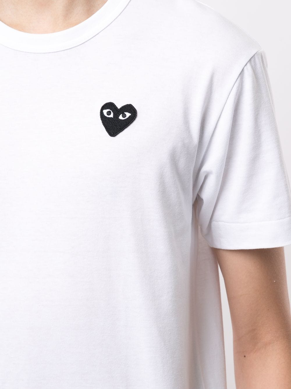 Picture of Comme Play | Embroidered Logo T-Shirt