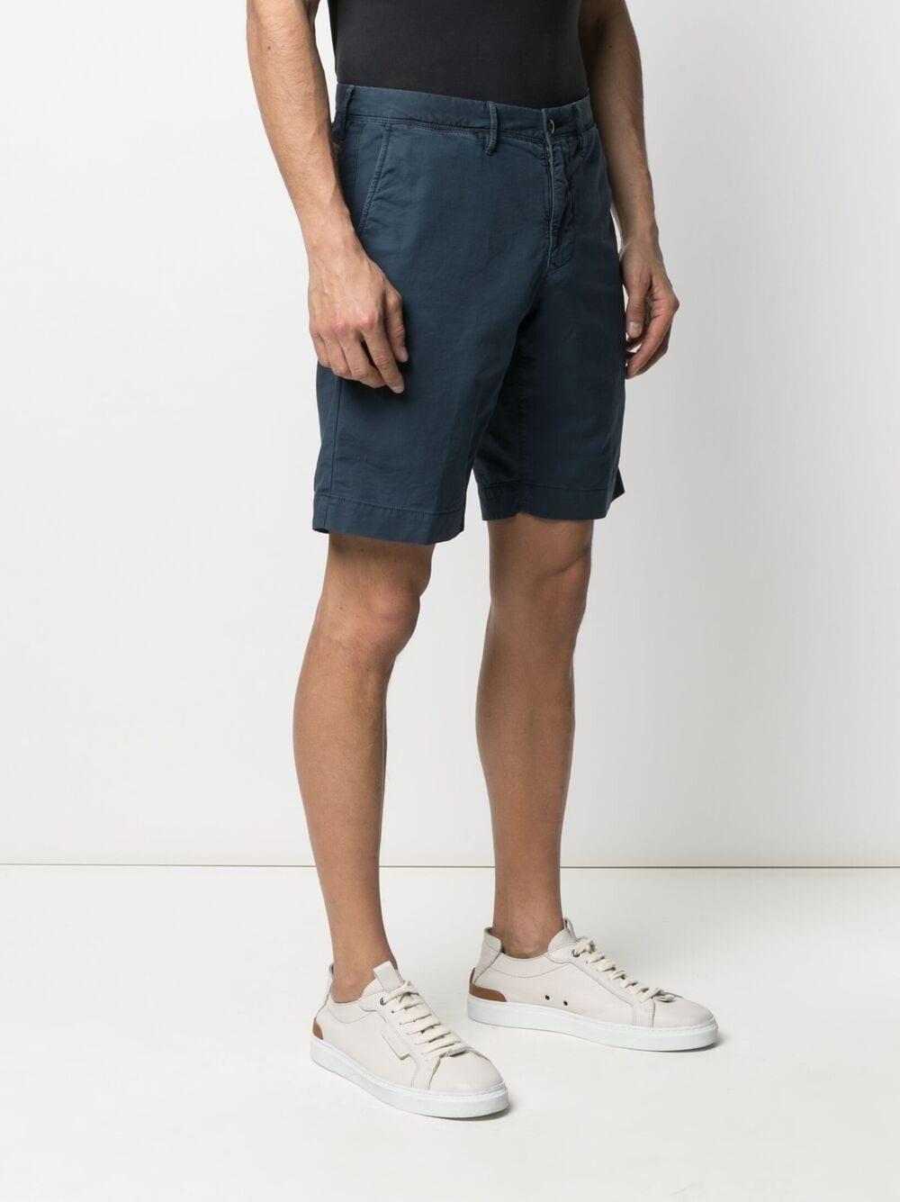 Picture of Incotex   Bermuda Knee-Length Shorts