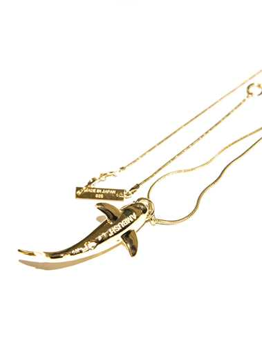 Picture of Ambush | Shark Pendant Necklace