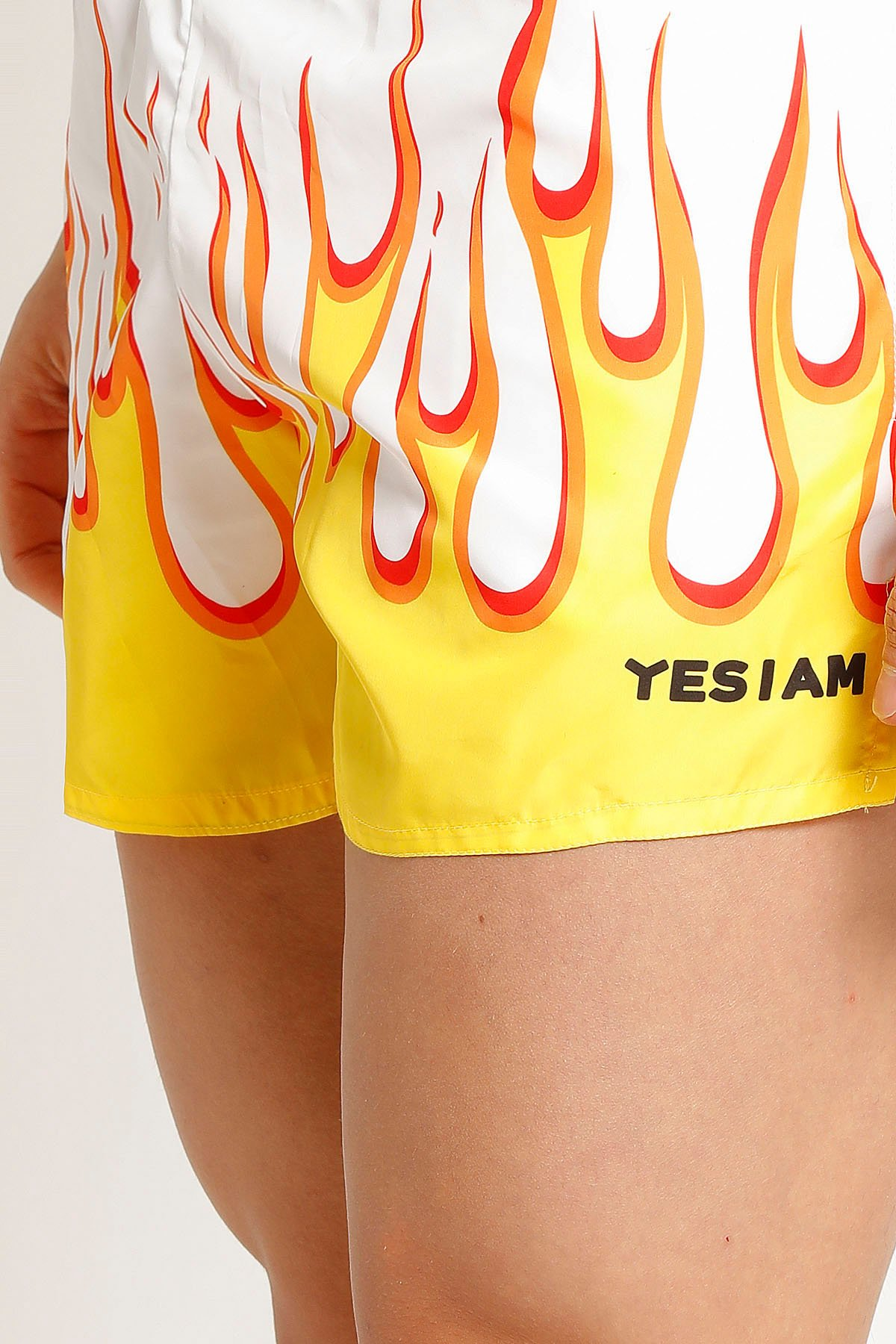Picture of Yesiam   Shorts White On Fire